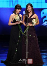 yulti mc 2011 mbc awards2