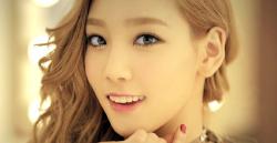 Taeyeon-Twinkle Screencap