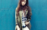 Jessica Dazed and Confused Coming Step Photo