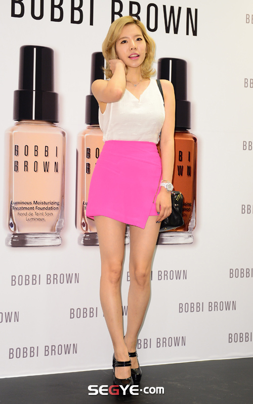 {130802} Sunny @ BOBBI BROWN 'Foundation Cafe' acto de apertura 20130802002444_0