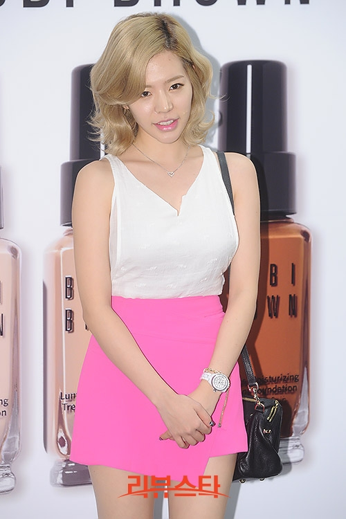 {130802} Sunny @ BOBBI BROWN 'Foundation Cafe' acto de apertura 2013080218060141_1_rstarjun