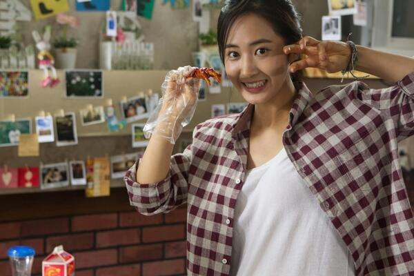 yuri chicken feet