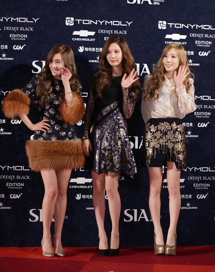 "[141028] Girls' Generation – TTS — ""Premios Style Icon 2014"" B1CHr3PCUAAbFVN.jpg_large"
