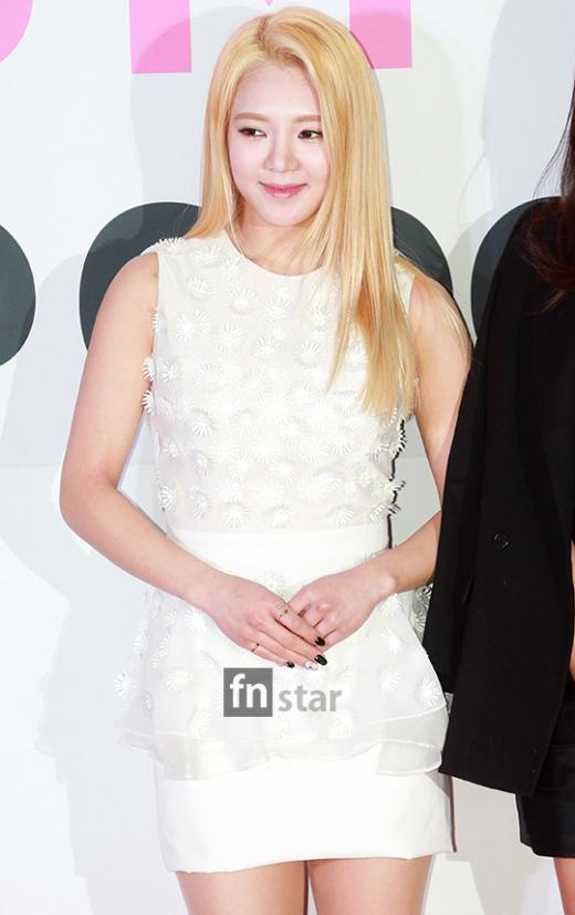 """[150113] Sunny, Tiffany, Hyoyeon y Yuri — Gran Ceremonia de Apertura de  """"SMTOWN@coexartium"""" 201501131628449955_l"""