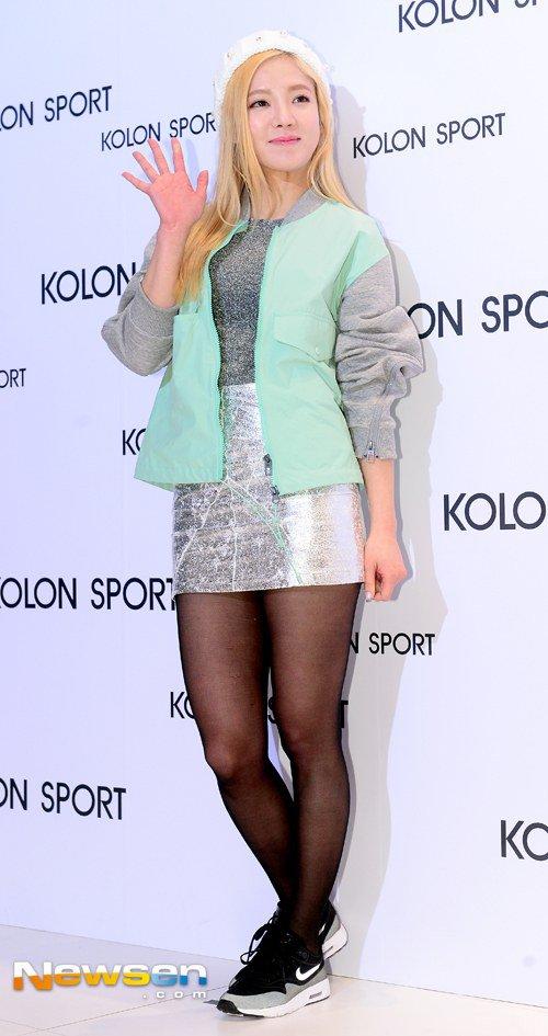 [150129] Hyoyeon y Yuri — Evento de Colección Primavera/Verano 2015 de Kolon Sport Hyoyeon2_1