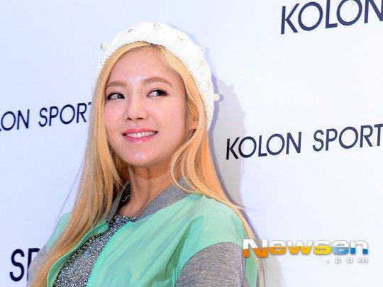 [150129] Hyoyeon y Yuri — Evento de Colección Primavera/Verano 2015 de Kolon Sport Hyoyeon6_1