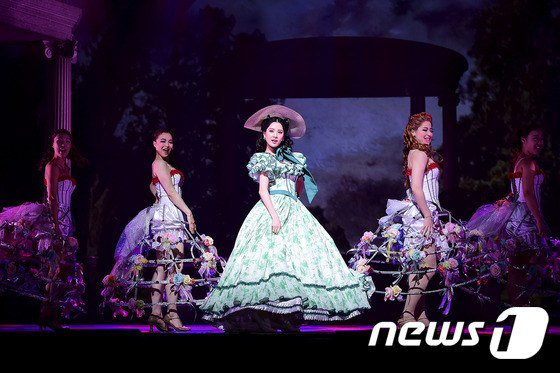 [130115] 'Gone with the Wind' Conferencia! Seohyun19