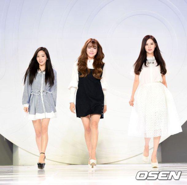 "[150129] Taeyeon, Tiffany y Seohyun — Ceremonia de Apertura de ""Fashion Kode 2015"" Snsd14"