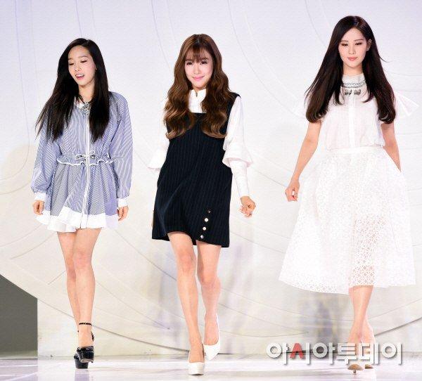 "[150129] Taeyeon, Tiffany y Seohyun — Ceremonia de Apertura de ""Fashion Kode 2015"" Snsd5"