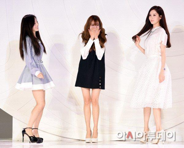 "[150129] Taeyeon, Tiffany y Seohyun — Ceremonia de Apertura de ""Fashion Kode 2015"" Snsd7"