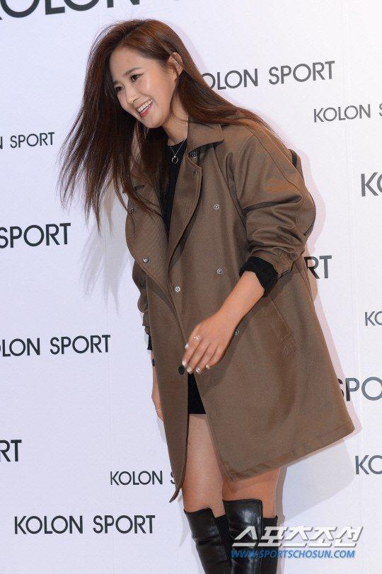 [150129] Hyoyeon y Yuri — Evento de Colección Primavera/Verano 2015 de Kolon Sport Yuri9