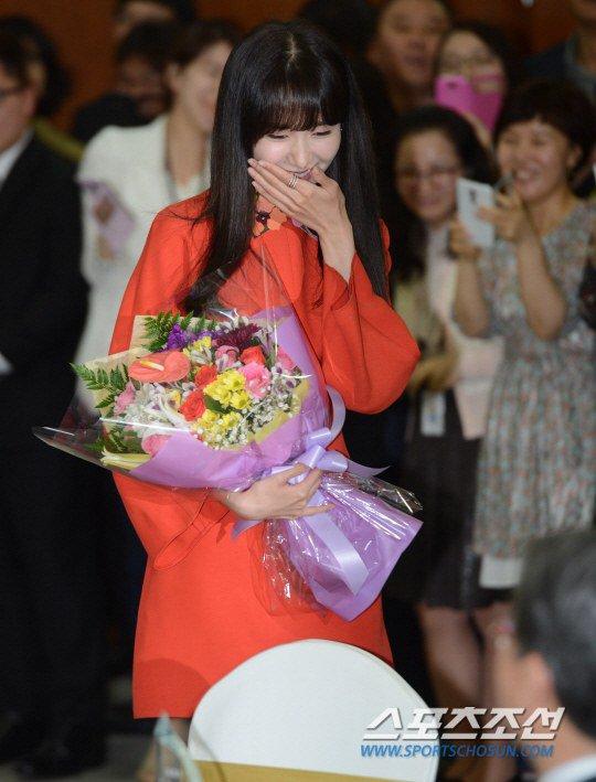 Yoona Asiste a la Ceremonia de Nombramiento al Embajador Nacional de Impuestos y Servicios Yoona22
