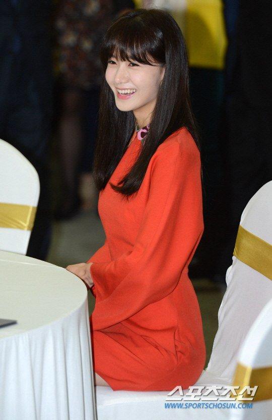 Yoona Asiste a la Ceremonia de Nombramiento al Embajador Nacional de Impuestos y Servicios Yoona24