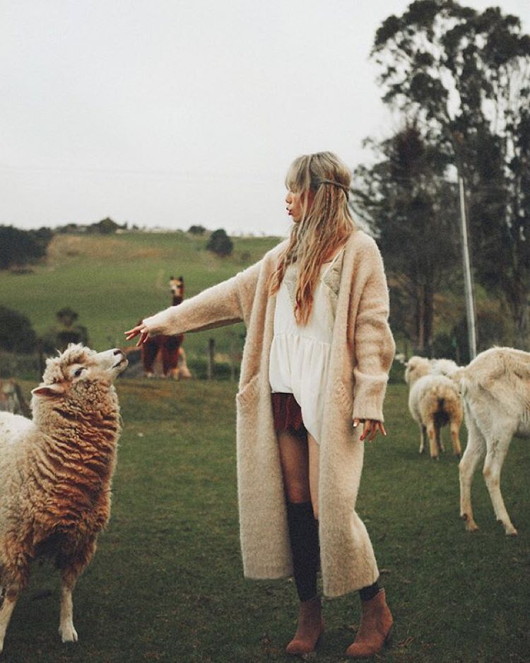 taeyeon with sheep
