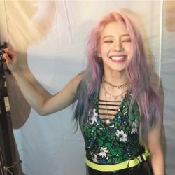 hyoyeon smile