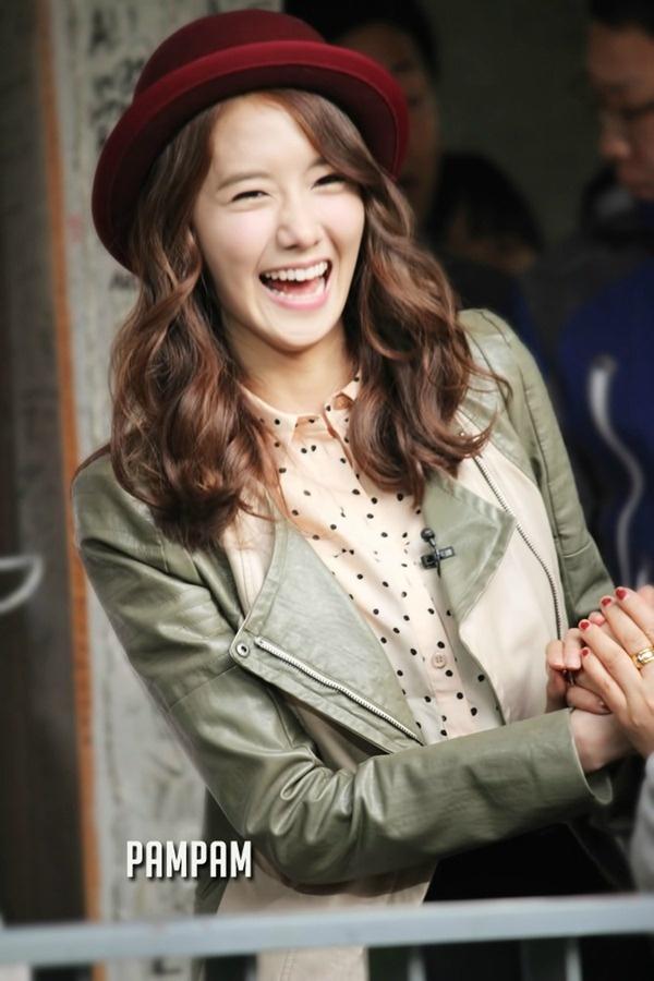 yoona laugh